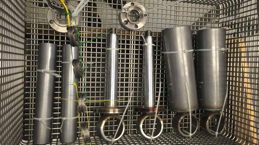 przygotowanie powierzchni części przemysłowych