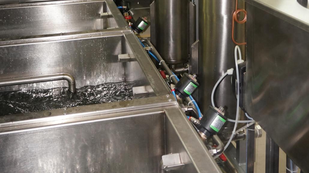 mycie ultradźwiękowe detali przemysłowych